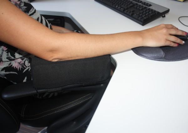 Gel / Gelschaum Armauflage Stützkissen Armstütze Armkissen Erhöhung für Armlehne Bürostuhl Kissen 25x7x7 cm